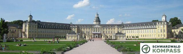 Karlsruher Schloss am Tag